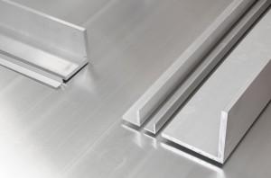 Ángulos lados iguales aluminio